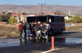 Zile'de Yolcu Minibüsü Alev Aldı
