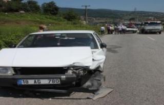 Zonguldak'ta İki Otomobil Çarpıştı: 2 Yaralı