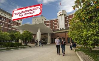 İzmir Ekonomi Üniversitesi'nin 1736 yeni öğrencisi oldu
