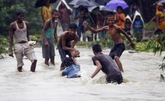 Nepal'de muson yağmurları 102 can aldı