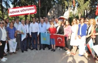 İYİ Parti, Karşıyaka'da yürüdü