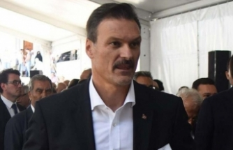 AK Partili Özalan: Kapıdan kovuldu
