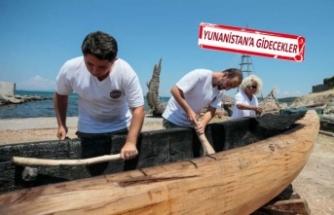 Urla'da elleriyle ilkel tekne yapıyorlar!