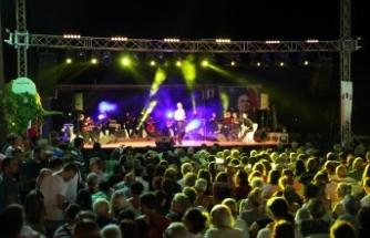 Urlalılar, Çeşmealtı'ndaki konserle coştu