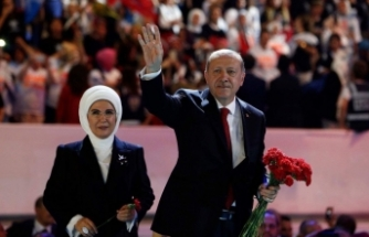 AK Parti'de yeni MKYK'ya 2 İzmirli birden!