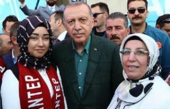 Hatice Merve Tatar, AK Parti'nin en genç MKYK üyesi oldu