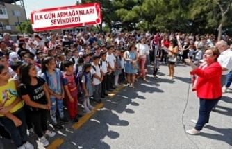Öğrenciler ilk gün heyecanını Başkan Pekdaş'la yaşadı