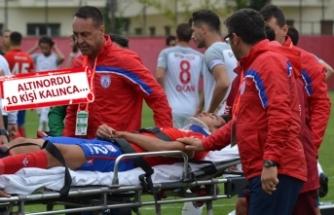 Pendikspor-Altınordu maçında muhteşem fair-play örneği!