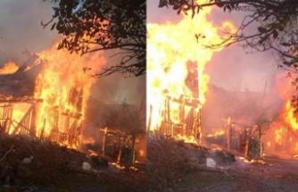 Yangın faciası: Çok sayıda ev yandı