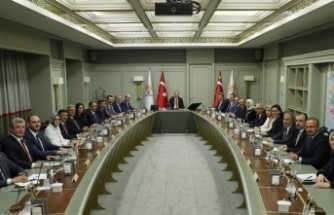 AK Parti'de af tartışması gündemde