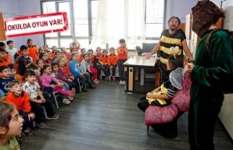 Konak'tan miniklere tiyatro 'aşısı'