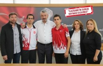 Gaziemirli kardeş sporcular Milli Takım'a!