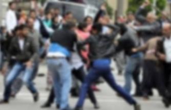 İzmir'deki o mahallede Suriyeliler birbirine girdi!