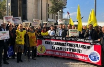 KESK'ten İzmir'de 'enflasyon farkı' eylemi!