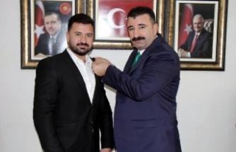 O CHP'li partisinden istifa edip AK Parti'ye geçti