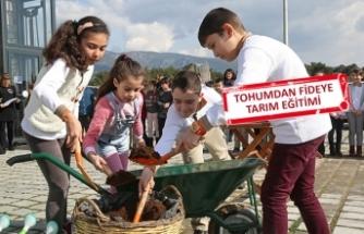 Buca'da 10 bin çocuk toprakla buluşuyor
