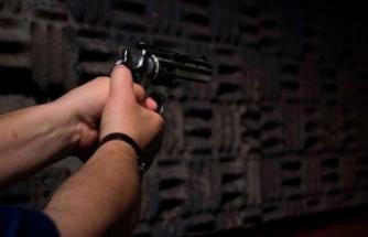 Cami çıkışında silahlı saldırı
