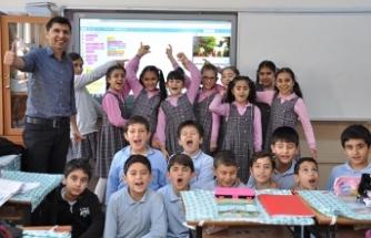 İzmir'deki okul müdürü, dünyanın en iyi 50 öğretmeni arasında