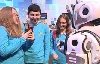 Robot sandılar insan çıktı