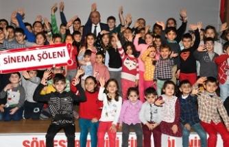 Çiğli'de, öğrencilere karne hediyesi