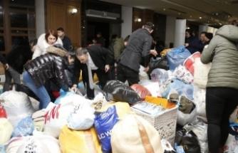 """Deprem yardımları """"PTT Posta Çeki"""" hesabıyla vatandaşlara ulaştırılacak"""