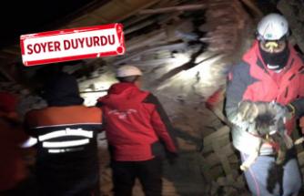 İzmir'in arama kurtarma ekibi Elazığ'da: Yaralı bir vatandaşımız ve...