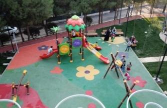 Karabağlar'da yenilenen 3 park açılıyor
