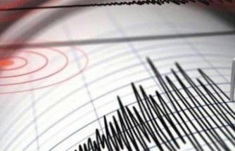 Manisa ve İzmir'de deprem paniği!