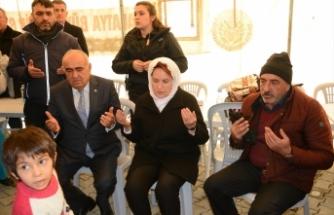 Meral Akşener, depremzedeleri ziyaret etti