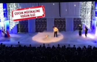 Sahne Tozu Tiyatrosu'nda Broadway esintisi