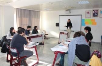 Türkiye'nin dört bir yanından lise öğrencileri Bornova'da buluştu