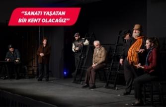 Ankara Ekin Tiyatrosu'ndan Çiğli'de muhteşem performans