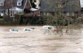 Avrupa sular altında: Dennis Fırtınası vurdu geçti