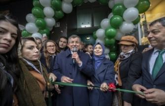 Davutoğlu, partisinin Ankara İl Başkanlığı binasını açtı