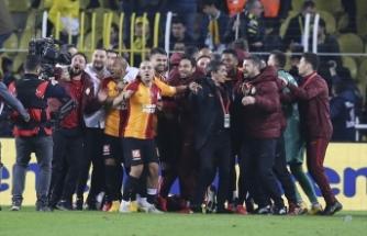 Galatasaray tarihi galibiyetle zirveye ortak oldu