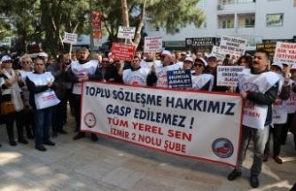 """Gaziemir Belediyesi memurlarından """"toplu sözleşmesi"""" eylemi"""
