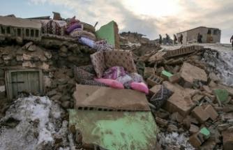 İran depremi Van'ı vurdu