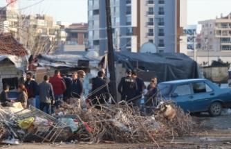 İzmir'de kavga kanlı bitti: 4 yaralı