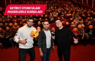 İzmirlilerden 'Bayi Toplantısı' oyuncularına yoğun ilgi