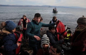 Türkiye'nin mülteci hamlesinden sonra Yunanistan'dan ilk tepki