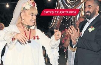 Zerrin Özer eski eşi ile aşk yaşıyor