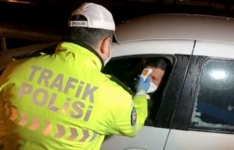 İstanbul'un giriş ve çıkışlarında sürücü ve yolcuların ateşi ölçülüyor