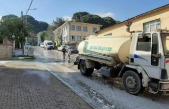 Beydağ'ın sokakları dezenfekte edildi