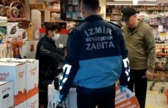 İzmir'de marketlere dezenfektan ve maske denetimi