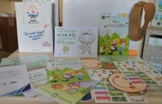 Sağlık çalışanlarının çocuklarına boyama kitapları seti