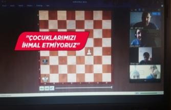 Çiğli Belediyesi'nden çocuklara online satranç kursu
