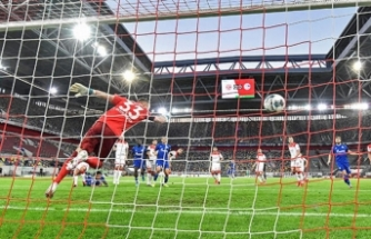Futbola geri dönüş sonrası L'Equipe: 'Biz aptal mıyız?'