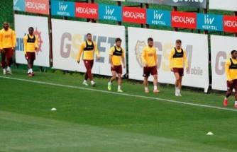 Galatasaray'da teknik heyet endişeli! 30 yaş sendromu
