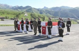 Hakkari şehitleri için askeri tören düzenlendi