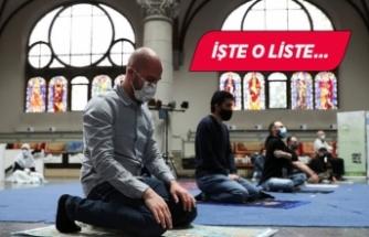 İzmir'de ilçe ilçe Cuma Namazı kılınacak camiler!